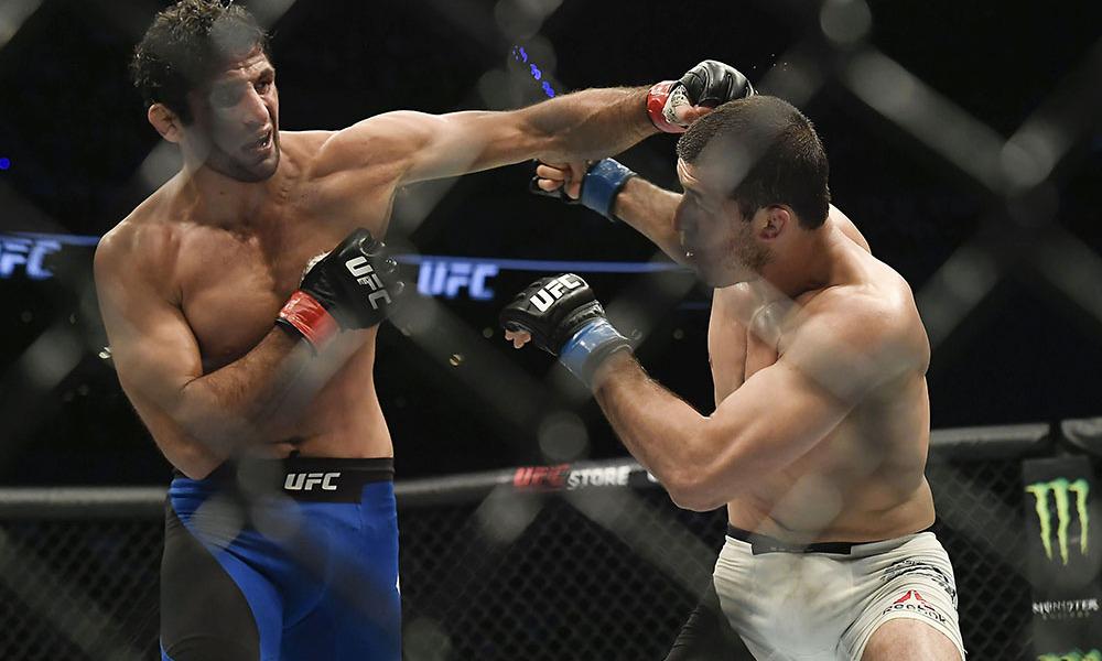 Nov 5, 2016; Mexico City, Mexico; Beneil Dariush (red gloves) fights Rashid Magomedov (blue gloves) during UFC Fight Night at Distrito Federal. Mandatory Credit: Etzel Espinosa-USA TODAY Sports